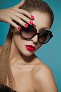 beauty portrait of model wearing sunglasses